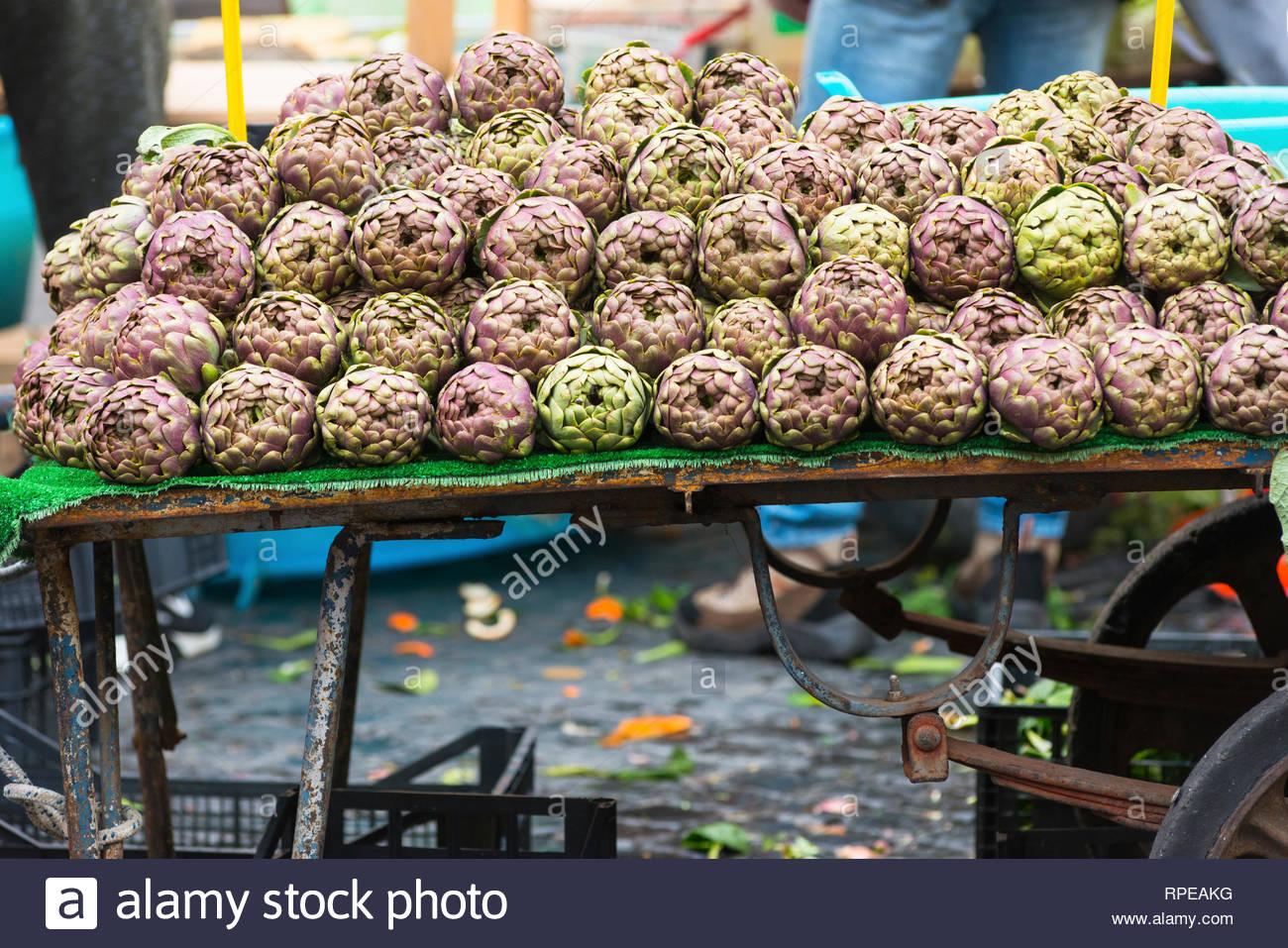 9b75b5c18283a Campo De Fiori Market Stock Photos   Campo De Fiori Market Stock ...