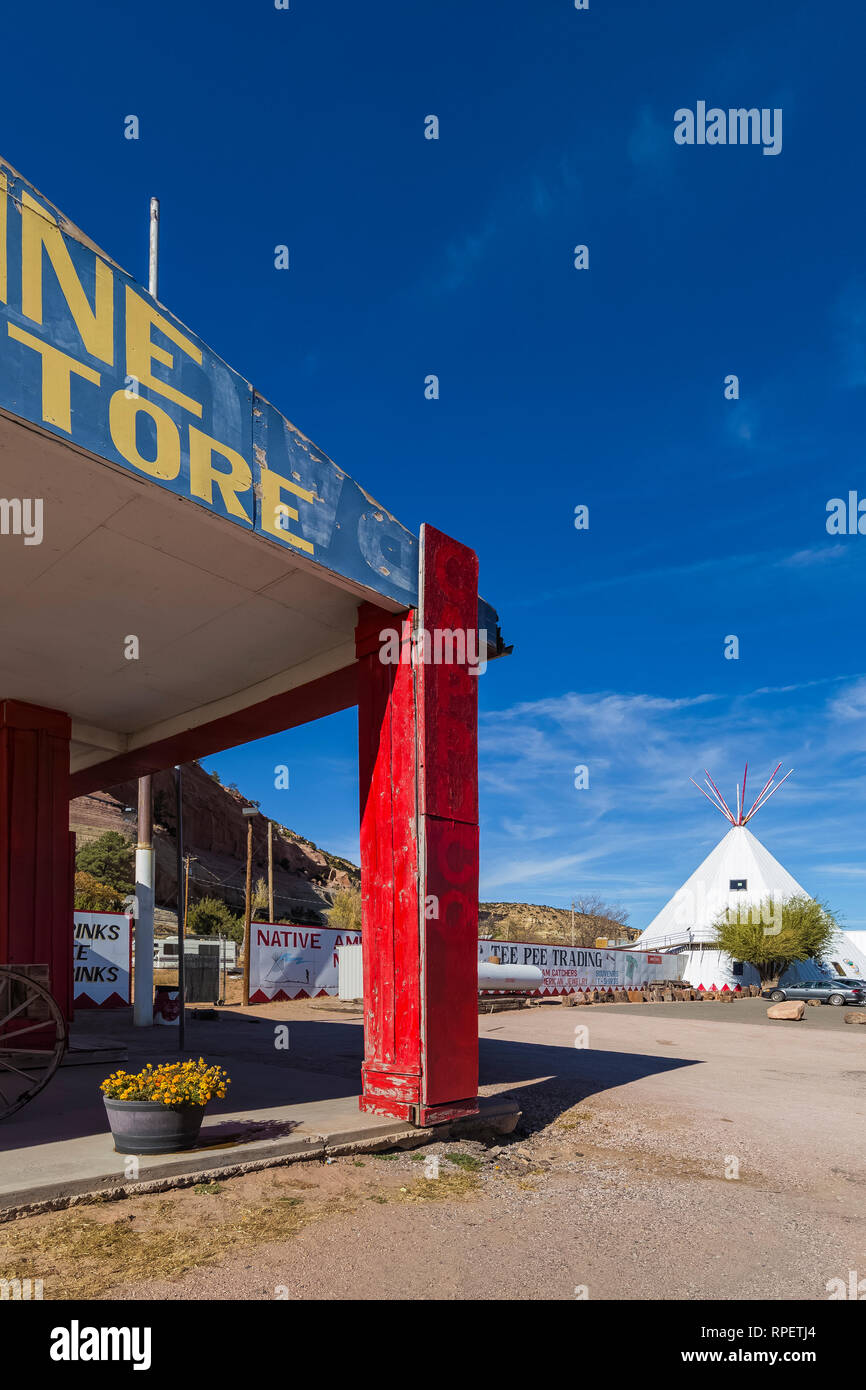 Stateline General Store along the strip of trading posts and souvenir shops in Lupton along Historic Route 66, Arizona, USA  [No property release; ava Stock Photo