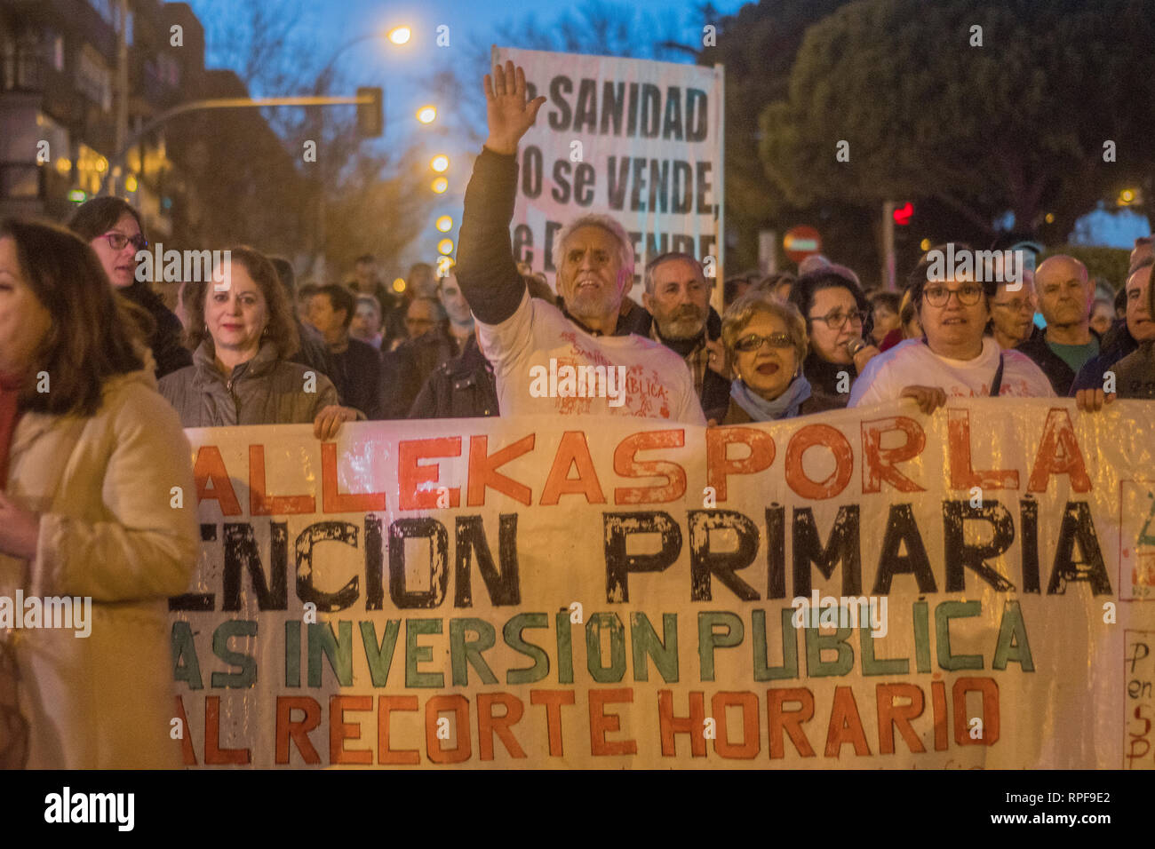 Madrid, Spain. 21st Feb 2019. March against cuts of public health staff by Spanish government. Less people will be in work in the public health sector. Protesters with placards rally against the decision of the government. Credit: Alberto Sibaja Ramírez/Alamy Live News Stock Photo