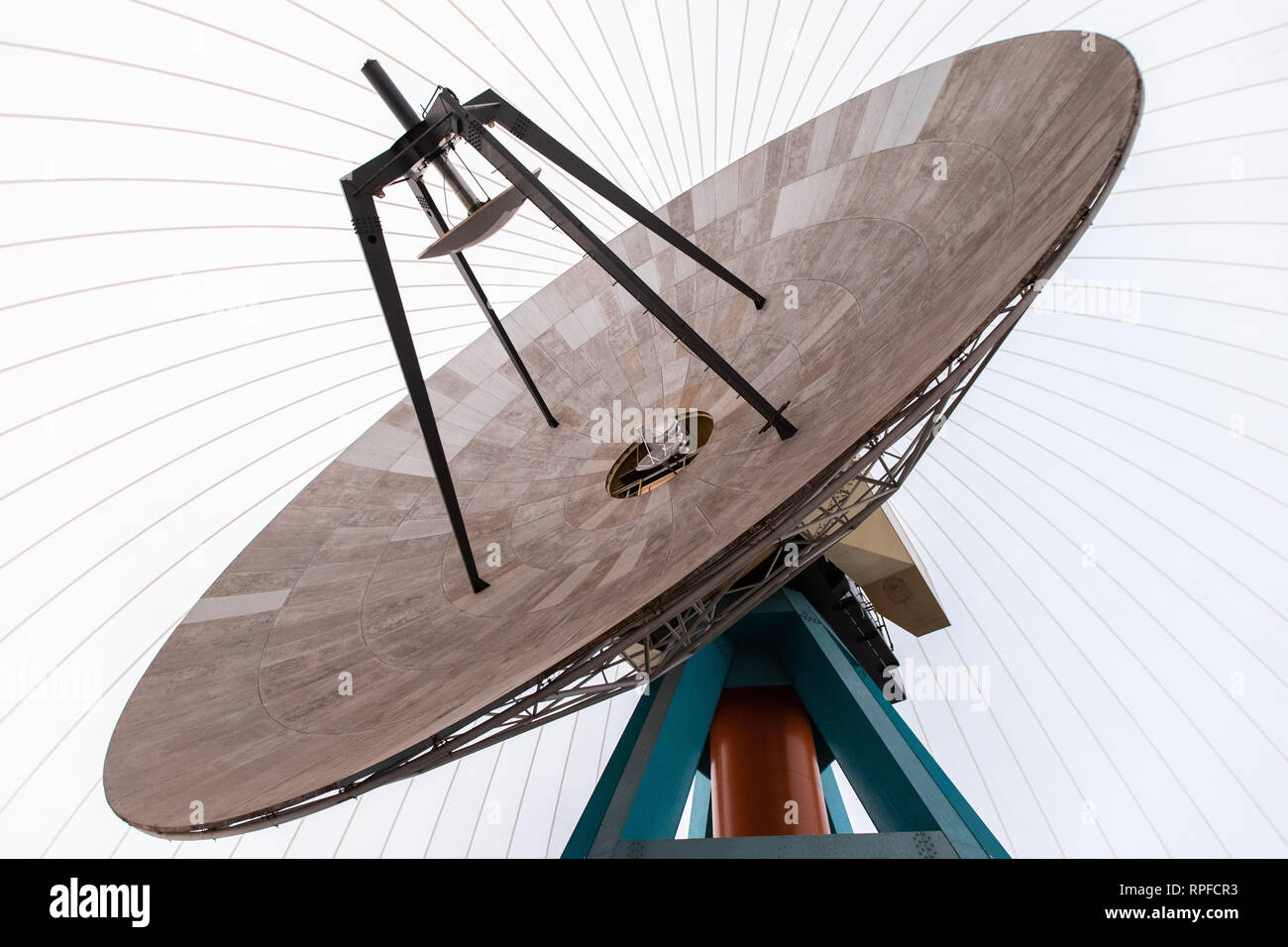 Bochum, Germany. 19th Feb, 2019. There's a parabolic antenna in the radar dome. With the commissioning of a travelling satellite, the observatory in Bochum celebrates a milestone in amateur radio. Qatar OSCAR-100, or QO-100 for short, is said to be the world's first satellite to use the non-commercial amateur radio service that rotates with the Earth instead of orbiting it. (to dpa: 'Sparking like an astronaut: first travelling satellite for amateurs') Credit: Marcel Kusch/dpa/Alamy Live News - Stock Image