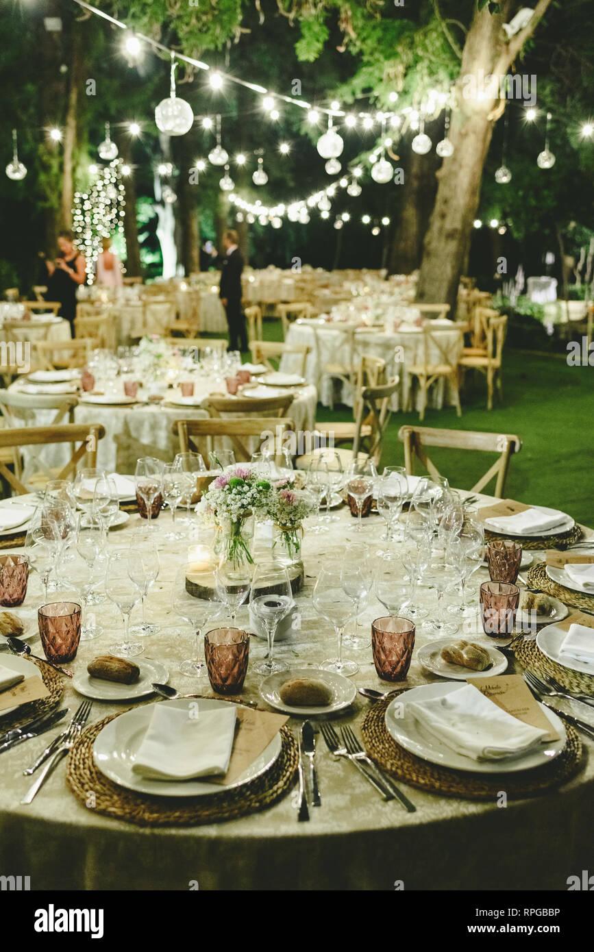 Surprising Outdoor Tables For An Elegantly Decorated Wedding Reception Interior Design Ideas Tzicisoteloinfo