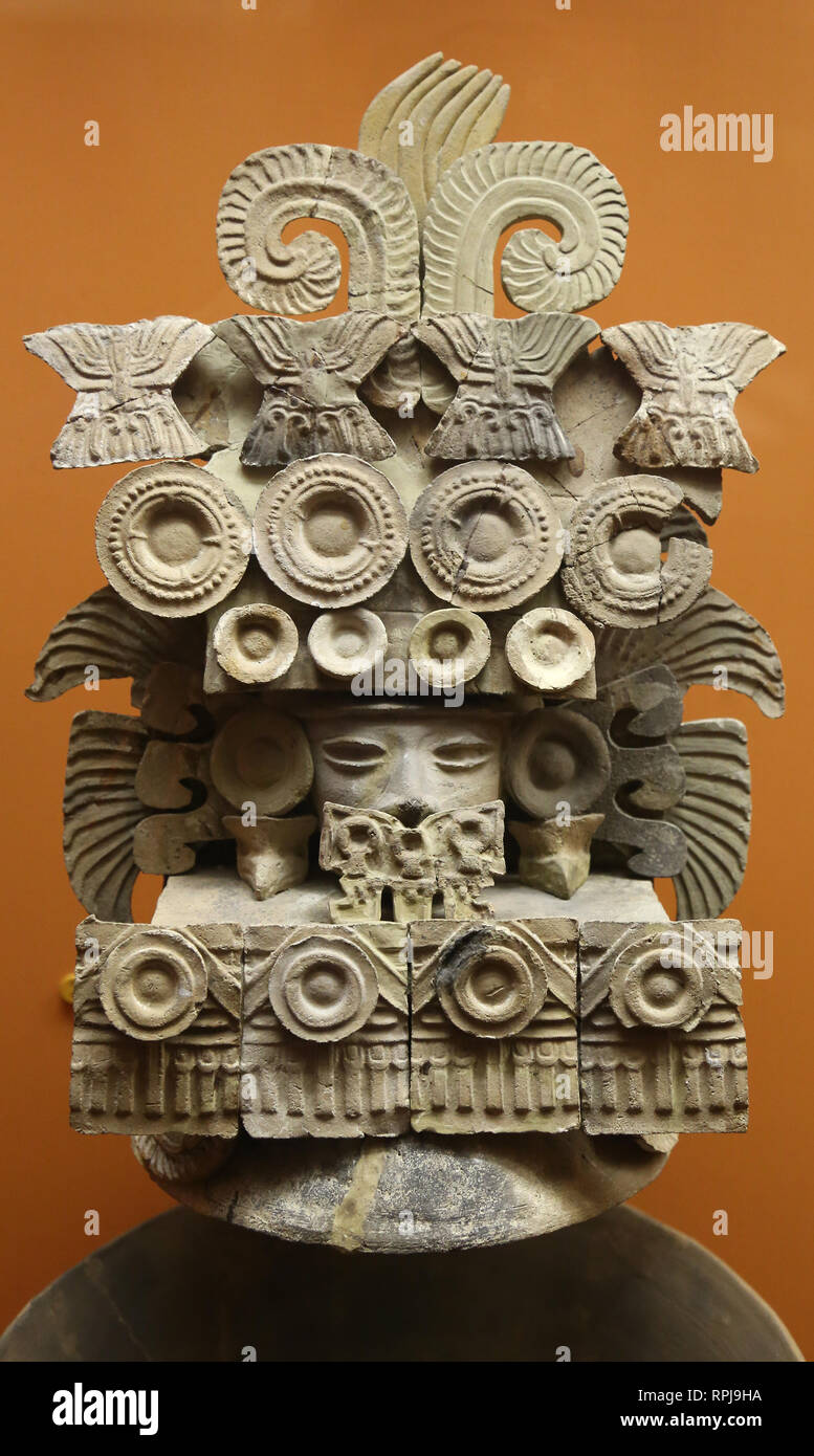 Incense burner lid. Teotihuacan Culture. Mexico. Middle classical period. Mesoamerica. ANMH, Ny, USA - Stock Image