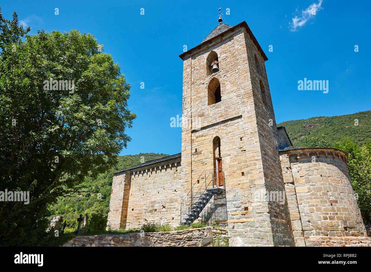 Spanish romanesque art. LAssumpcion de Coll church. Boi valley - Stock Image
