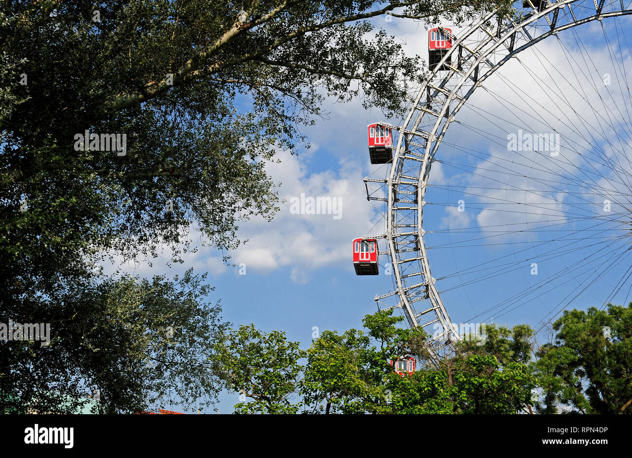 The giant Ferries Wheel (Riesenrad) at the entrance of the Prater amusement park, Vienna, Austria - Stock Image
