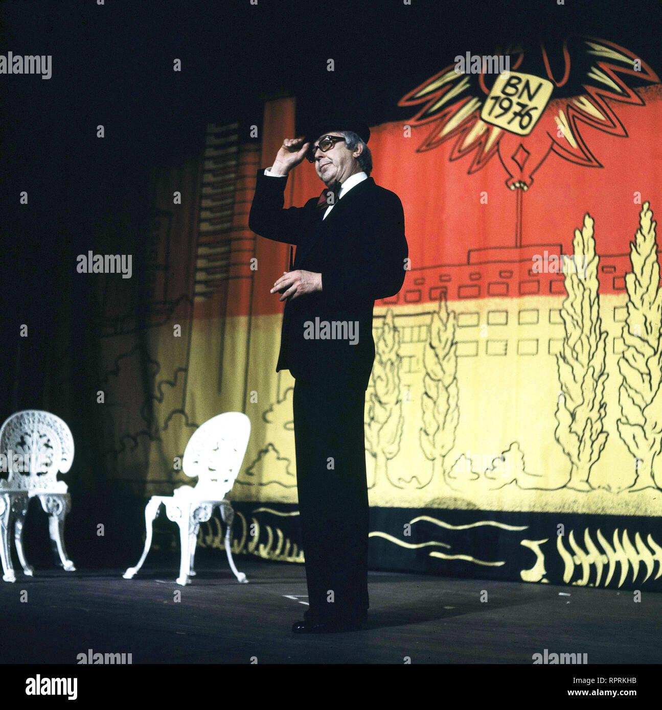 WOLFGANG GRUNER / Ausschnitte aus dem Programm des Berliner Kabaretts 'Die Stachelschweine' aus dem Jahr 1967. Bild: WOLFGANG GRUNER  Grimm-0-60588 , 22kpaAnderem1 - Stock Image