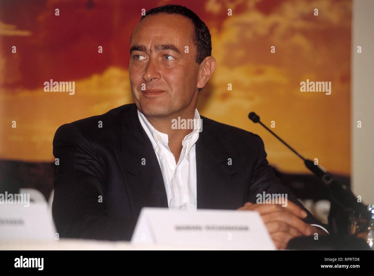 Filmproduzent BERND EICHINGER, während einer Pressekonferenz. 11/1993 / Überschrift: BERND EICHINGER Stock Photo