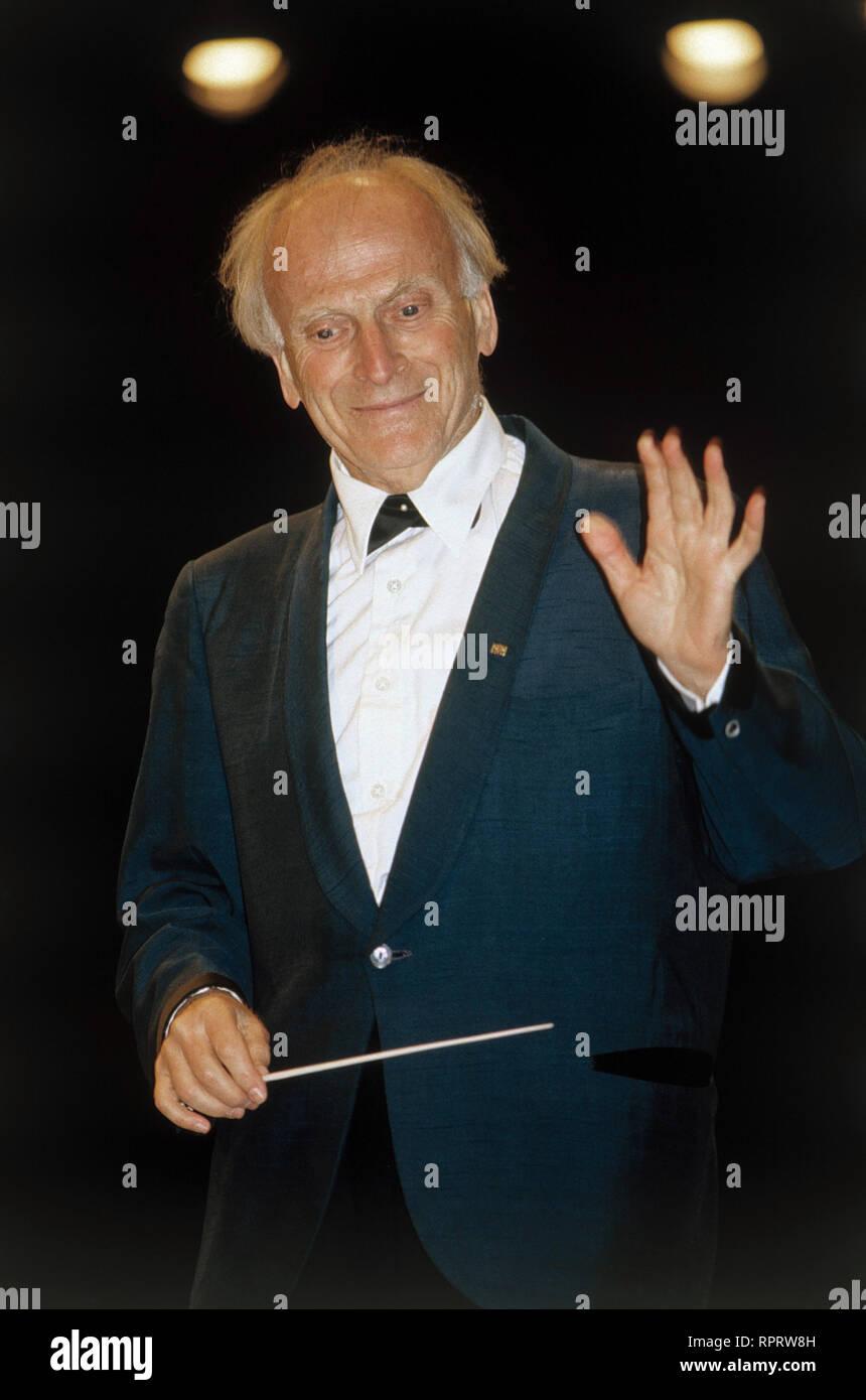 Der berühmte Geiger und Dirigent YEHUDI MENUHIN Aufnahme von 1987. Famous violinist and conductor Yehudi Menuhin, 1987. / Überschrift: Yehudi Menuhin - Stock Image