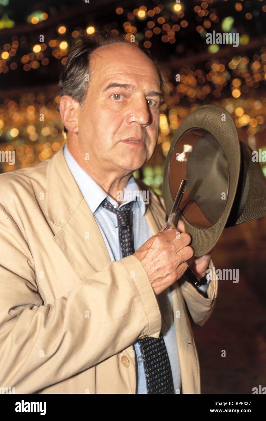 MEIN OPA UND DIE 13 STÜHLE AUT 1996 Helmut Lohner OTTO