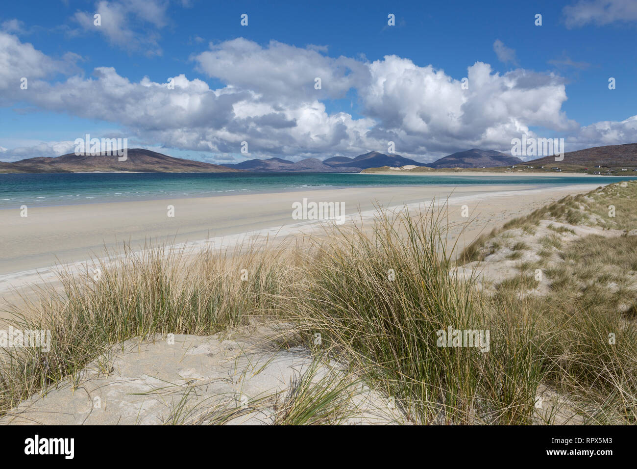 Looking towards Taransay and Luskentyre from the dunes at Seilebost, Isle of Harris, Outer Hebrides, Scotland - Stock Image
