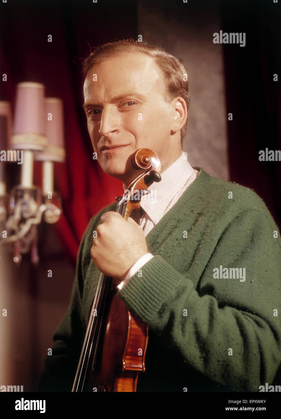 Der berühmte amerikanische Geiger Yehudi Menuhin, 1960. Famous US-American violinist Yehudi Menuhin, 1960. - Stock Image