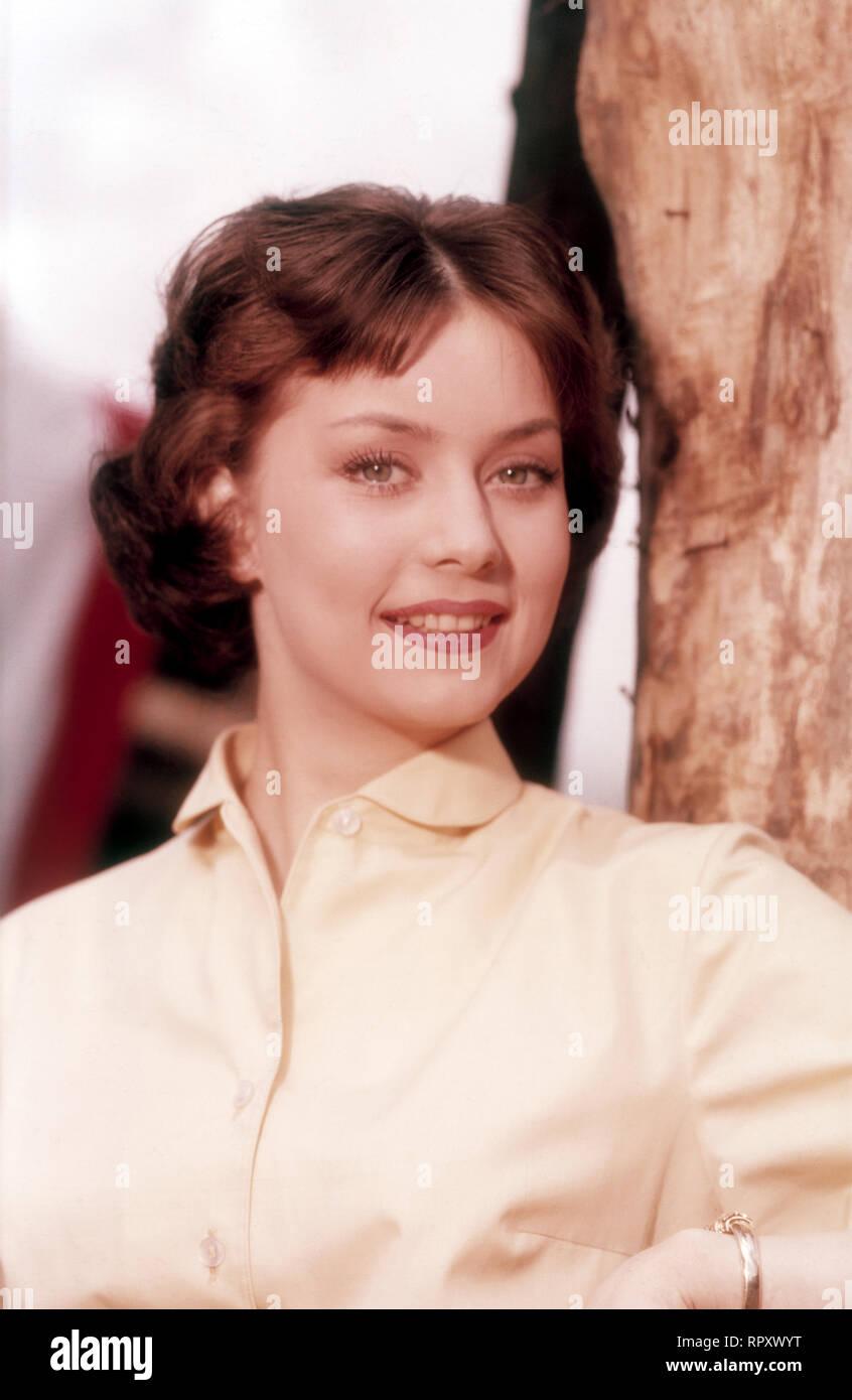 Marina Orschel, deutsche Schauspielerin und Schönheitskönigin. Portraitaufnahme, ca. 1958. Marina Orschel, German actress and beauty queen. Portrait Still, 1958. Miss Neue Welt (1955), Miss Berlin (1956), Vice-Miss Universe (1956). - Stock Image
