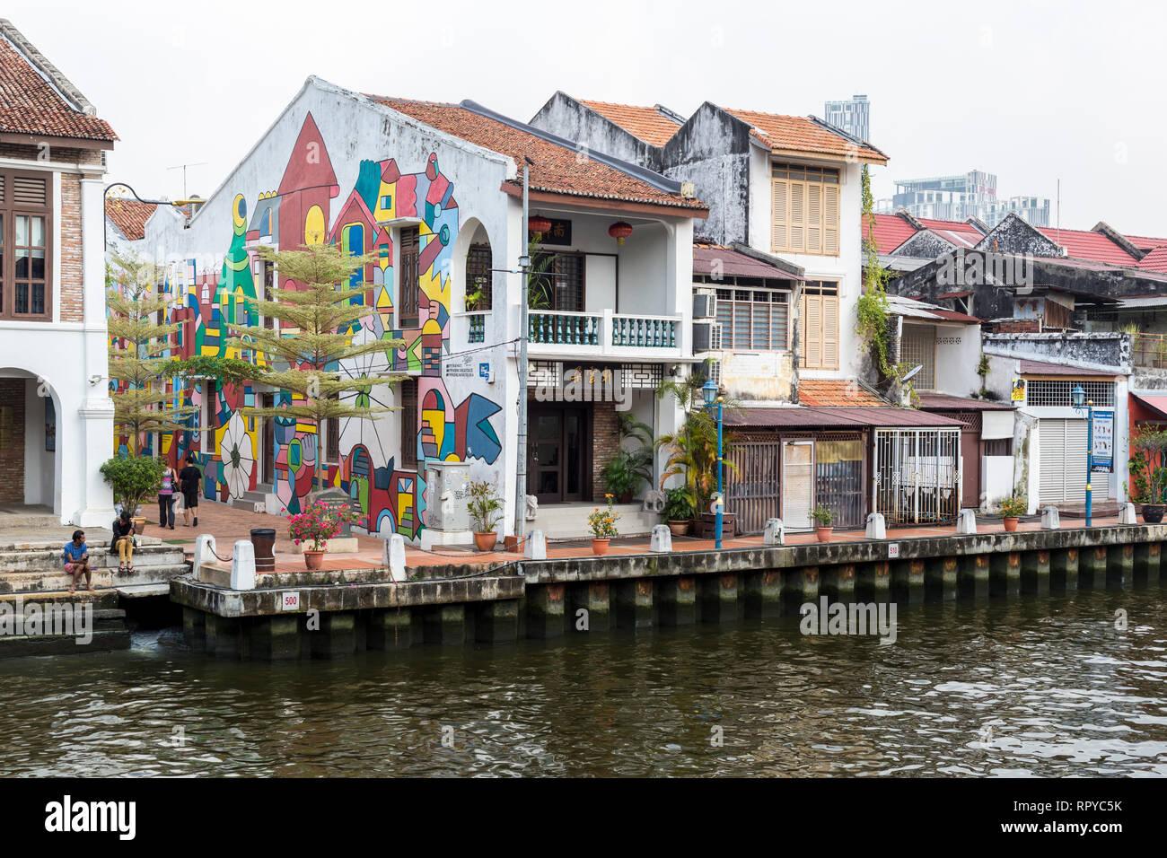 Old Shophouses Line the Melaka River, Melaka, Malaysia. - Stock Image