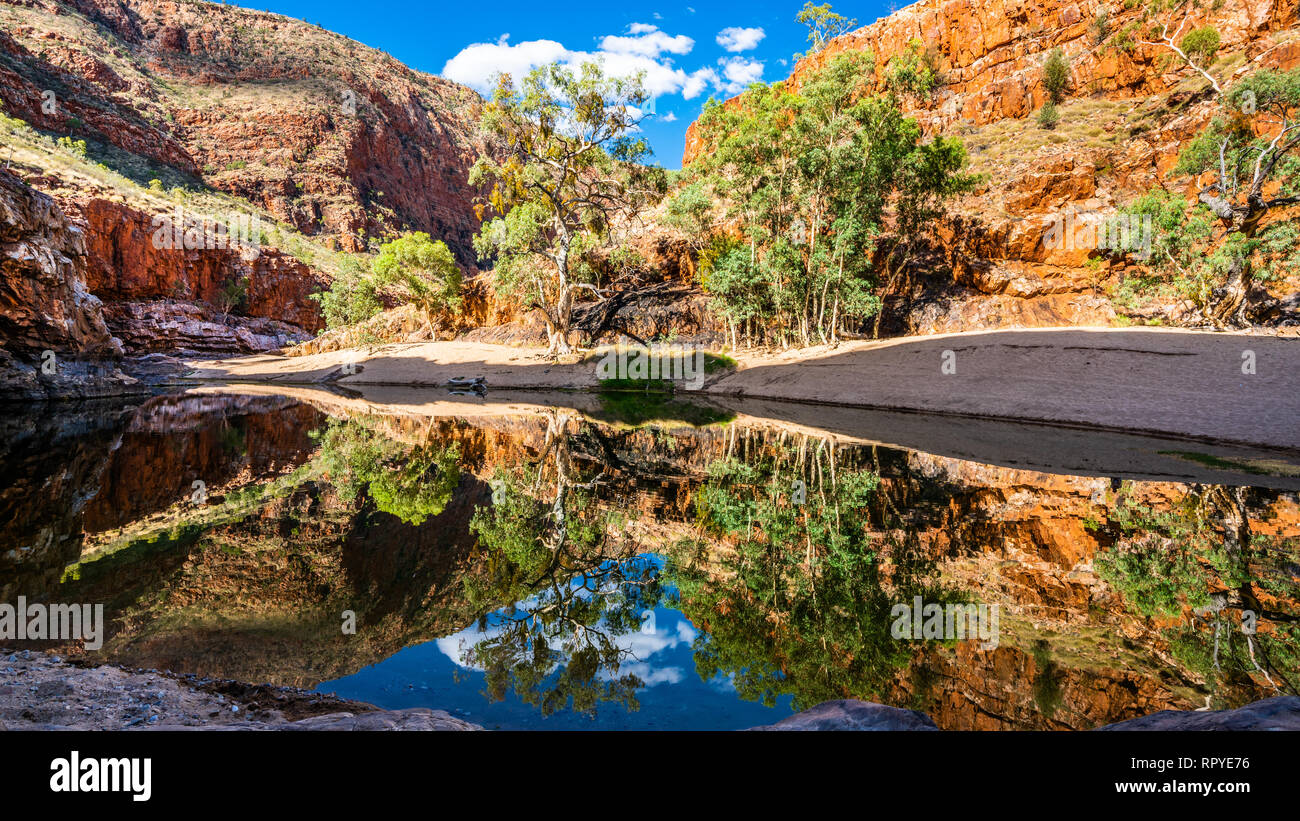 Scenic view of Ormiston gorge water hole in the West MacDonnell Ranges NT outback Australia - Stock Image
