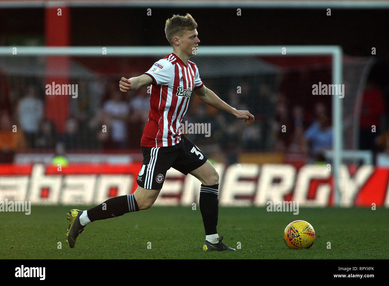 London, UK. 23rd Feb, 2019. Jan Zanburea of Brentford in action. EFL Skybet championship match, Brentford v Hull City at Griffin Park on Saturday 23rd February 2019 . this image may only be used for Editorial purposes. Editorial use only, license required for commercial use. No use in betting, games or a single club/league/player publications. pic by Steffan Bowen/Andrew Orchard sports photography/Alamy Live news Credit: Andrew Orchard sports photography/Alamy Live News Stock Photo
