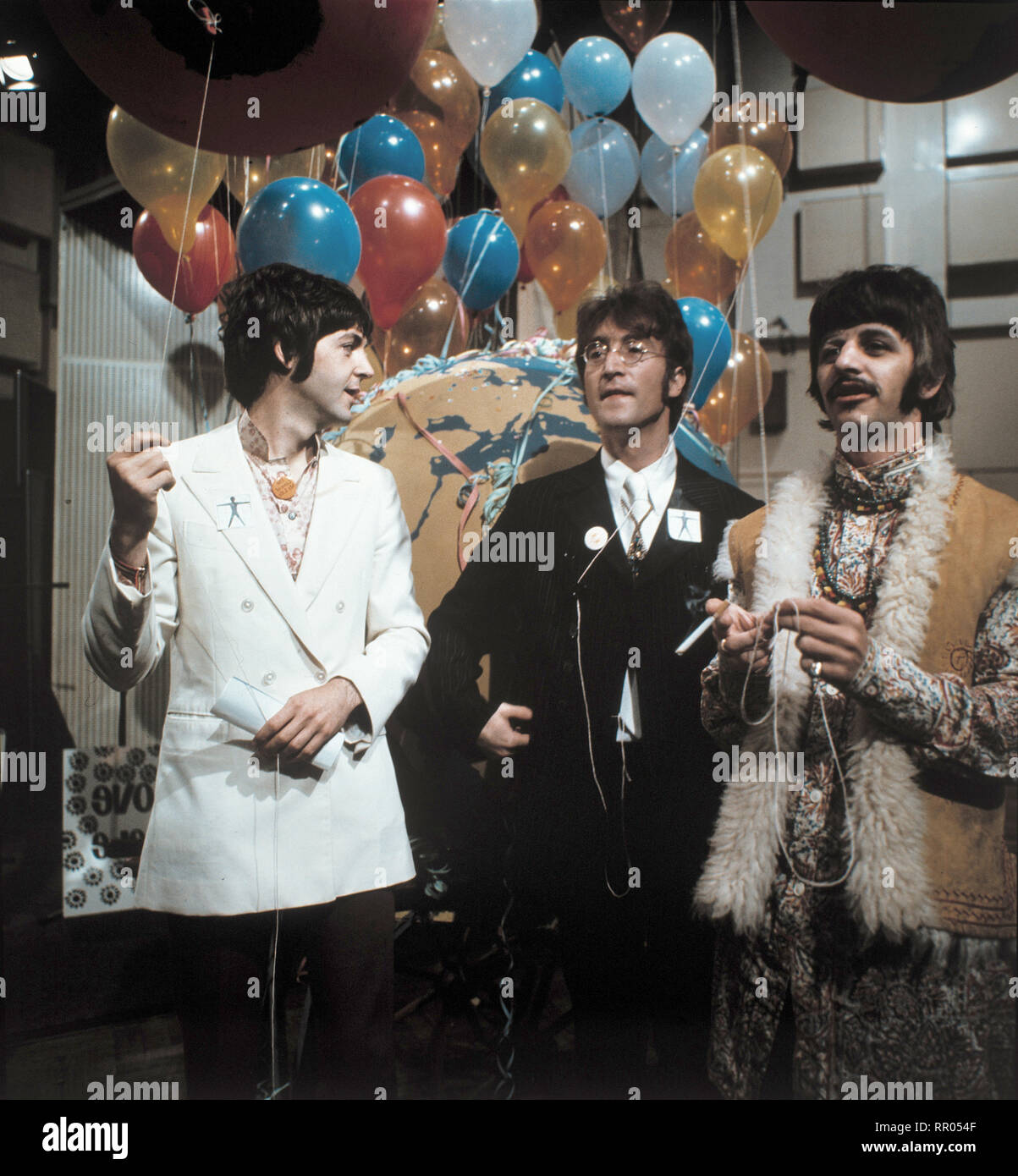All You Need Is Love The Beatles Paul Mccartney John Lennon Ringo Starr Aufnahme 1967 Uberschrift The Beatles Stock Photo Alamy