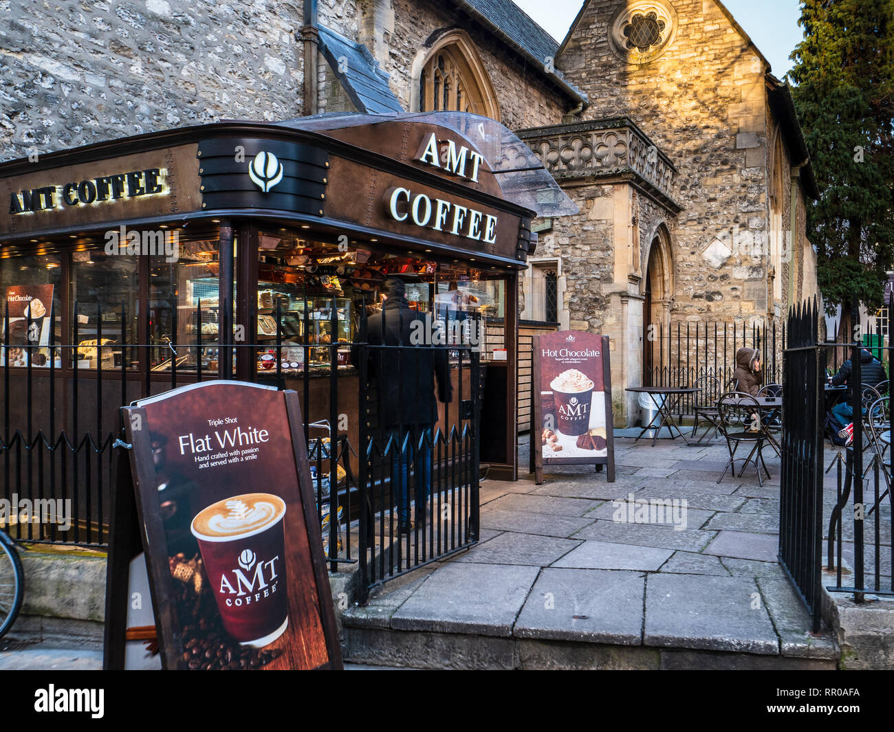 AMT Coffee booth in central Oxford UK. AMT Coffee is a UK chain of coffeehouses mainly located in railway stations. - Stock Image