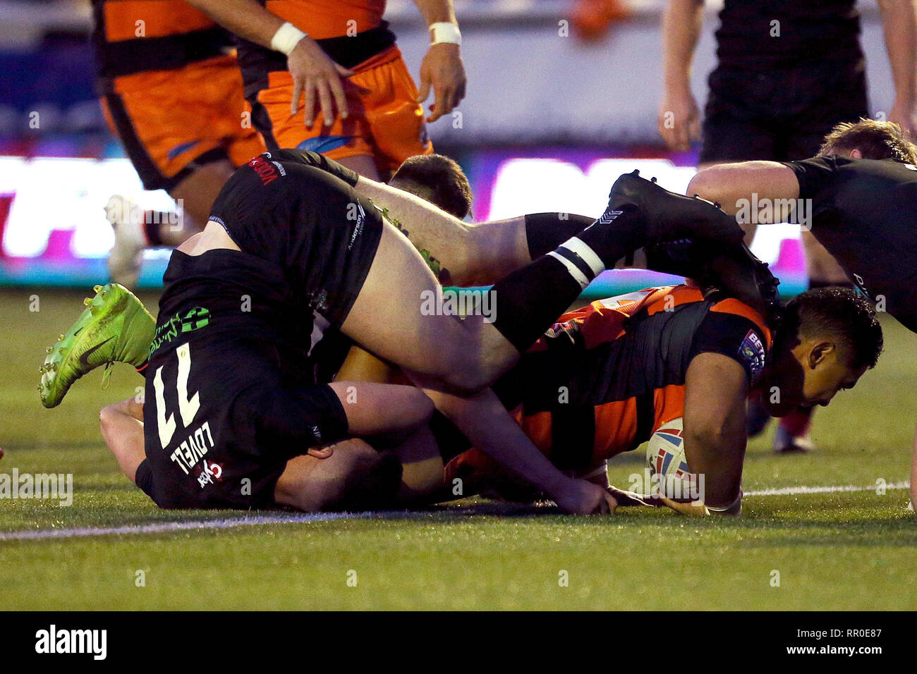 Castleford Tigers Junior Moors scores his side's 3rd try