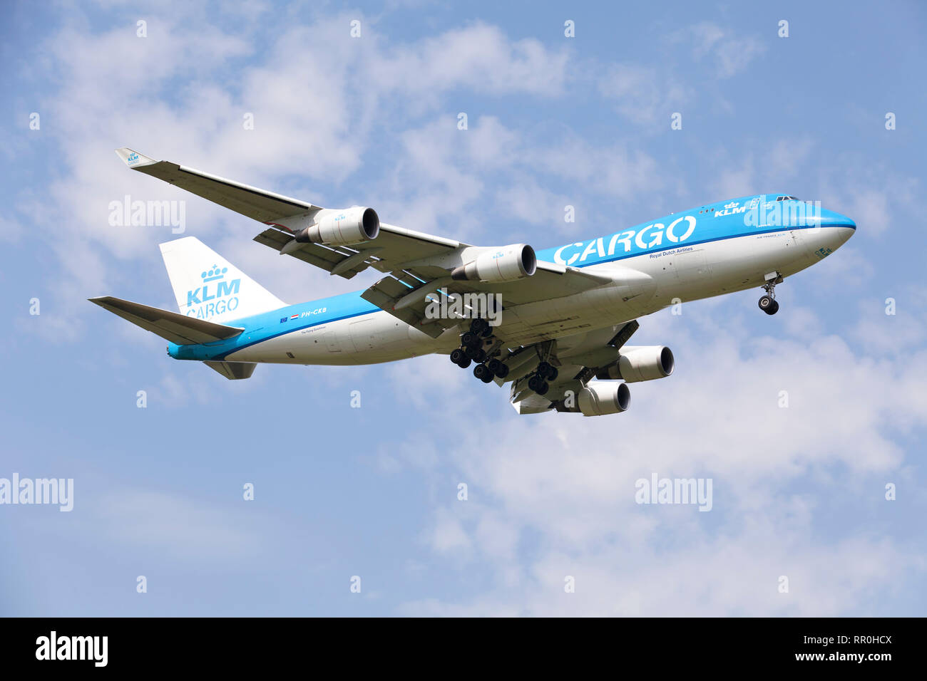 View of Boeing 747-406F/ER/SCD cargo aircraft in flight from KLM-Royal Dutch Airlines Cargo company - Stock Image