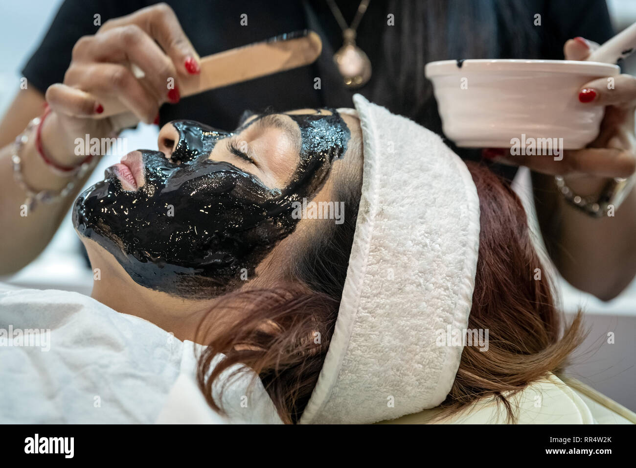 Peel Off Beauty Face Mask Stock Photos & Peel Off Beauty