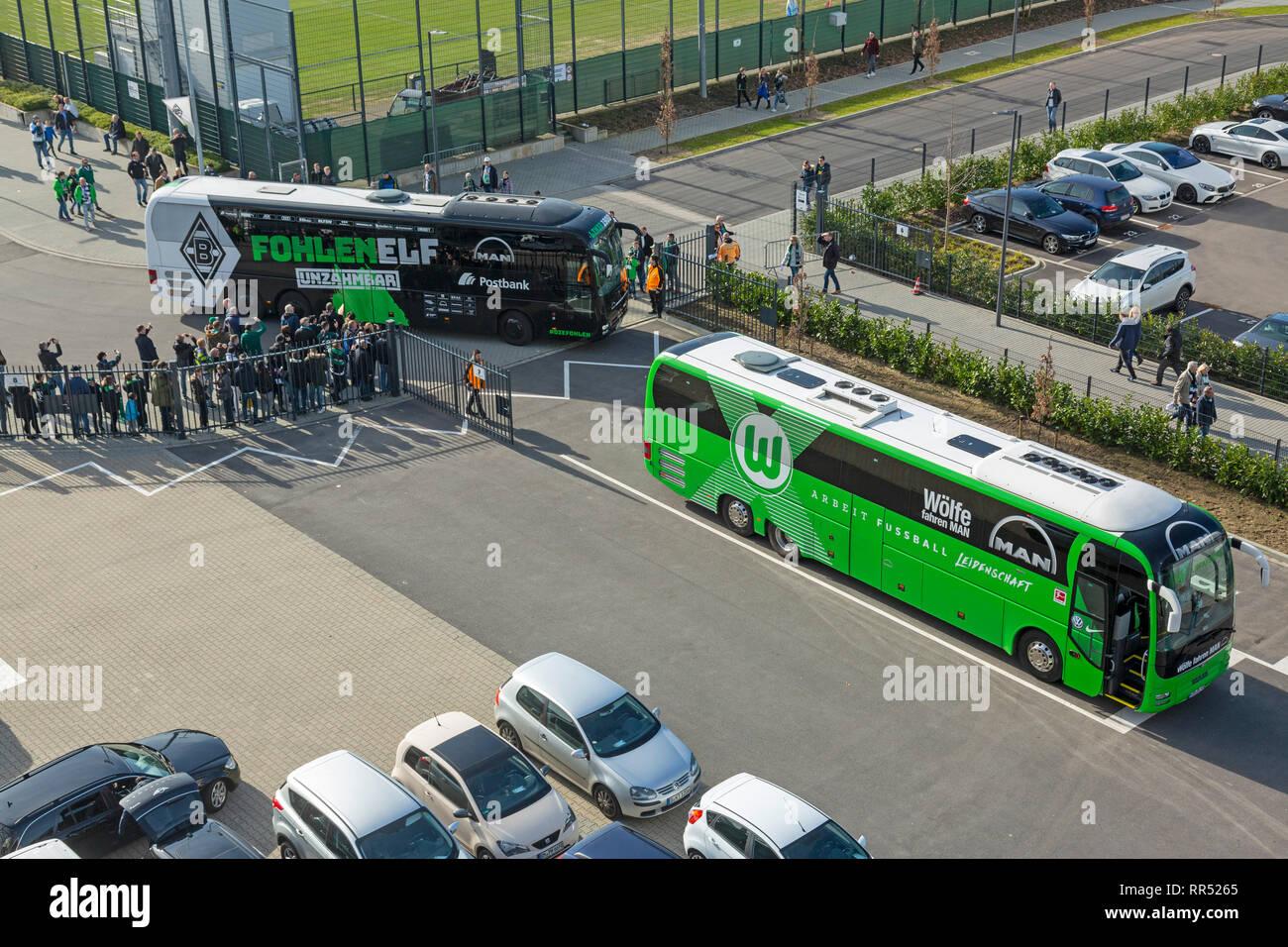 sports, football, Bundesliga, 2018/2019, Borussia Moenchengladbach vs VfL Wolfsburg 0-3, Stadium Borussia Park, team busses of Wolfsburg and Gladbach, DFL REGULATIONS PROHIBIT ANY USE OF PHOTOGRAPHS AS IMAGE SEQUENCES AND/OR QUASI-VIDEO - Stock Image