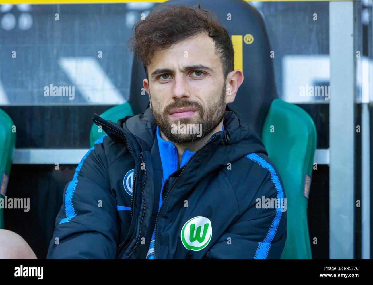 sports, football, Bundesliga, 2018/2019, Borussia Moenchengladbach vs VfL Wolfsburg 0-3, Stadium Borussia Park, players bench, Admir Mehmedi (Wolfsburg), DFL REGULATIONS PROHIBIT ANY USE OF PHOTOGRAPHS AS IMAGE SEQUENCES AND/OR QUASI-VIDEO - Stock Image