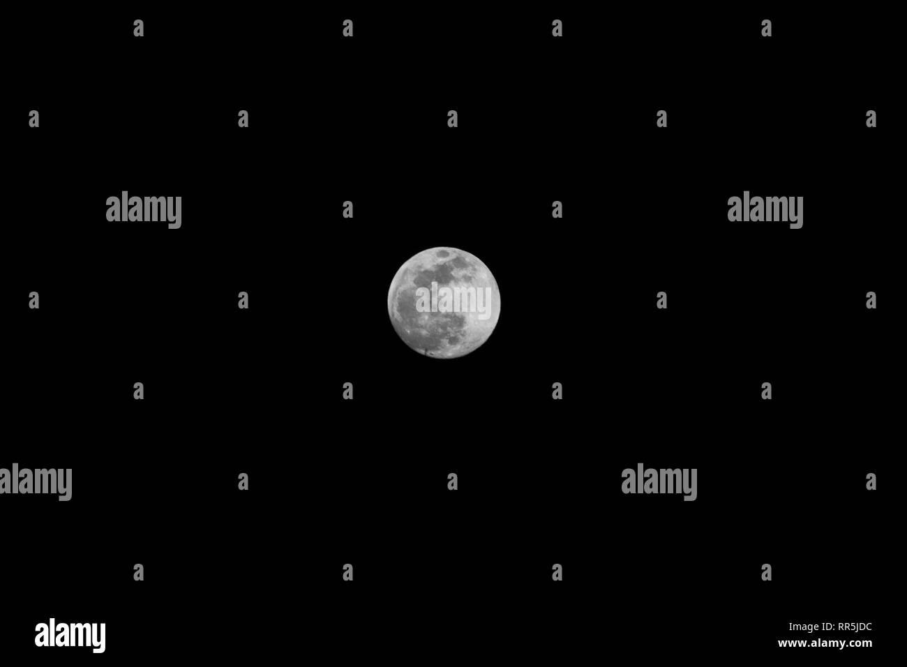 full nightsuper snow moon - Stock Image