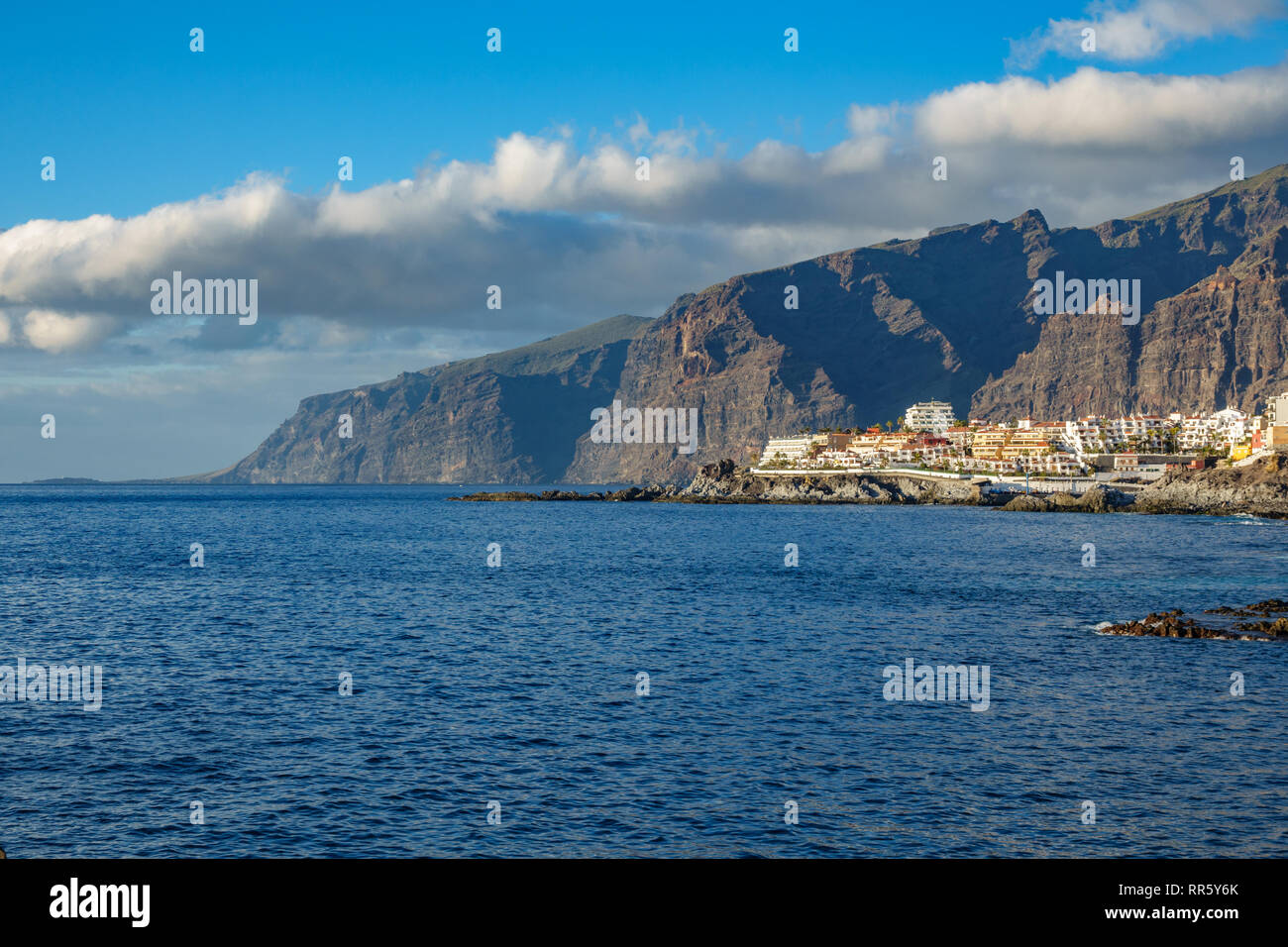 Los Gigantes cliffs and buildings in Tenerife - Stock Image