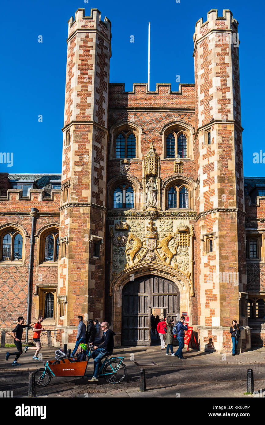 St John's College Cambridge - The Great Gate St John's College University of Cambridge -  Completed in 1516. Cambridge Tourism / Historic Cambridge. - Stock Image