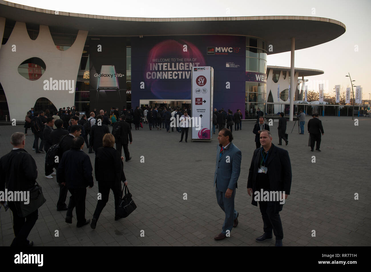 Barcelona, Spain, Monday, Feb. 25, 2019. The Mobile World Congress kicks off with the forecast to exceed 107,000 attendees from more than 200 countries this was the figure reached in its last edition. The mobile congress will revolve around intelligent connectivity and address hyperconnectivity, 5G, the internet of things, artificial intelligence (AI) and big data. Credit: Charlie Perez /Alamy Live News Stock Photo