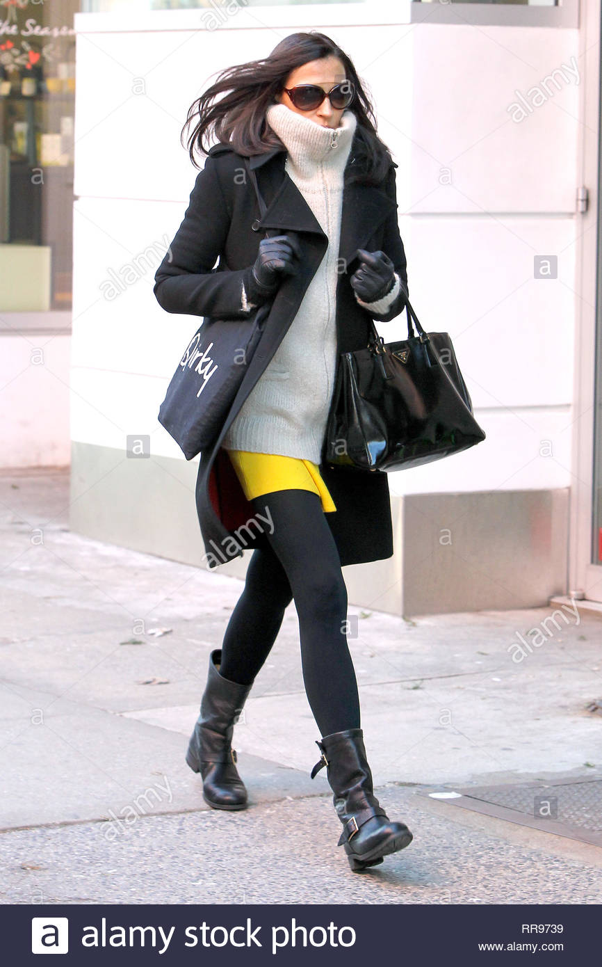 cd888d989be0 ... Dutch actress Famke Janssen is seen walking with Polar Vortex Weather  around 4-degree temperature then stopping by a Starbucks Coffee in Soho to  get her ...