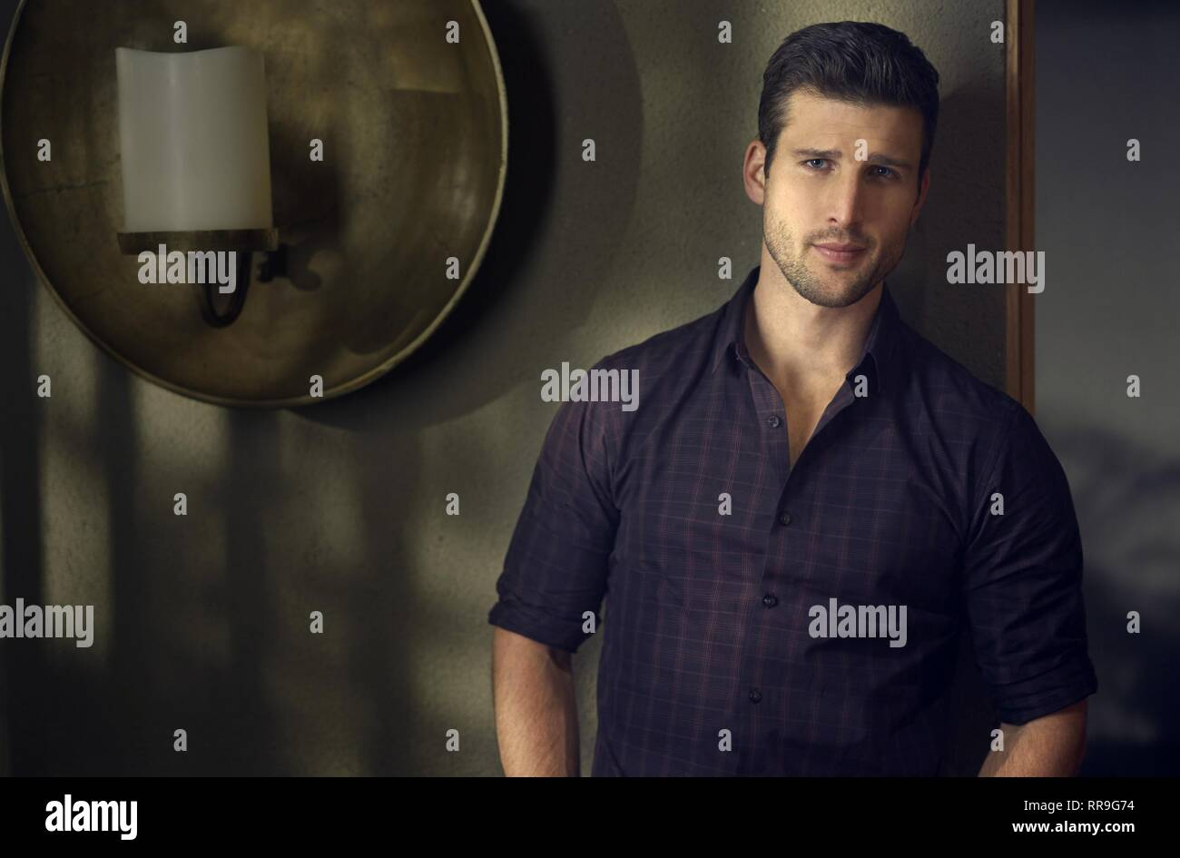 IMPOSTERS, PARKER YOUNG, 2017 - Stock Image