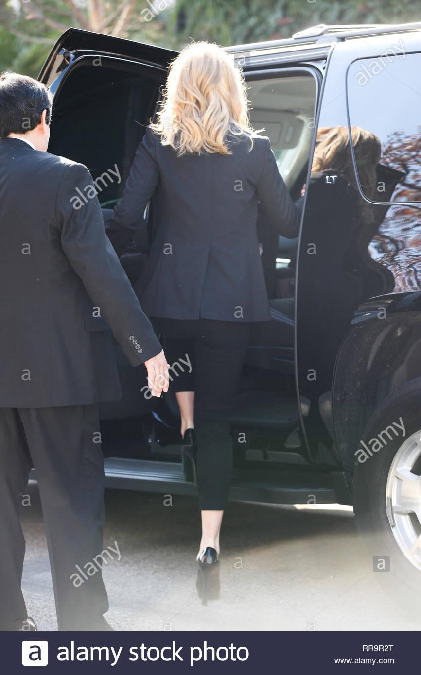 Los Feliz, CA - Katherine Heigl is all smiles as she heads to