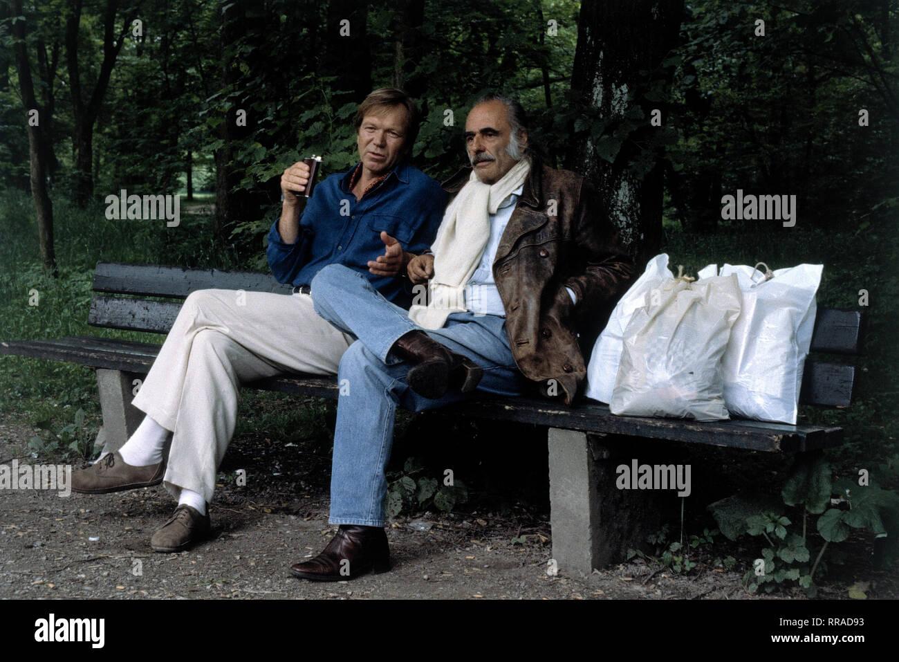RÜDIGER KIRSCHSTEIN (Werner Busch), DIETRICH KERKY (Egon) EM / Film, Fernsehen, Kriminalfilm, Serie, 90er / Überschrift: SOKO 5113 / Deutschland 1996 Stock Photo