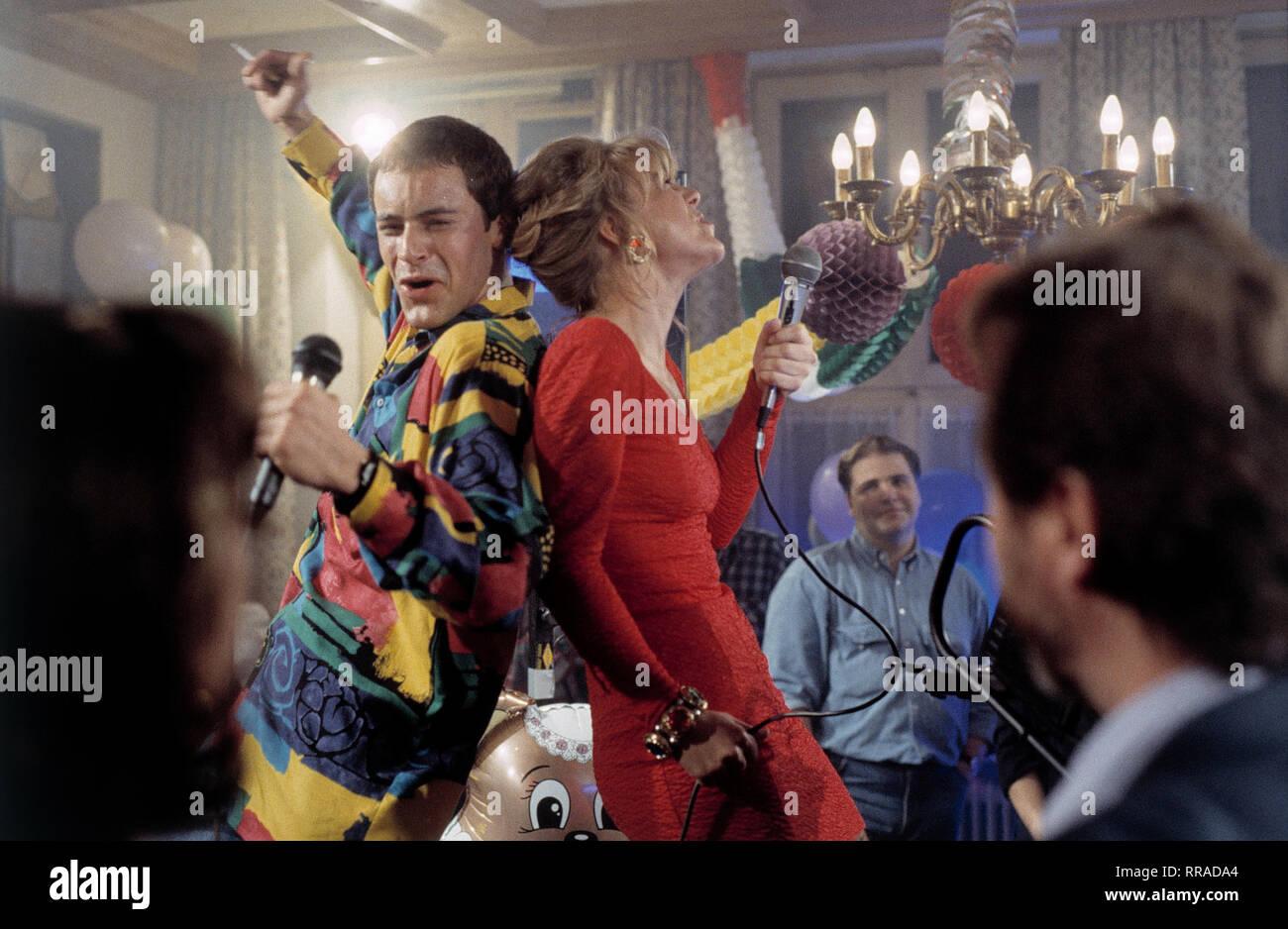 GEDEON BURKHARDT (Philip Steger), HEIKE GOOSMANN (Sandra Roller) EM / Film, Fernsehen, Kriminalfilm, Serie, 90er / Überschrift: SOKO 5113 / Deutschland 1996 Stock Photo