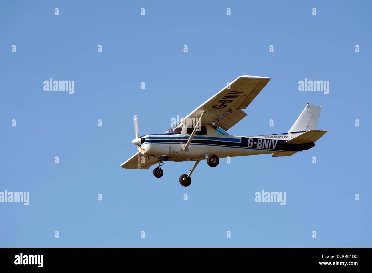 Cessna 152 at Wellesbourne Airfield, Warwickshire, UK (G-BNIV) - Stock Image