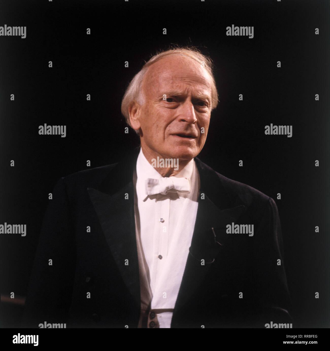 Der berühmte Geiger und Dirigent Yehudi Menuhin, 1987. Famous Violinist and conductor Yehudi Menuhin, 1987. / Überschrift: Yehudi Menuhin - Stock Image