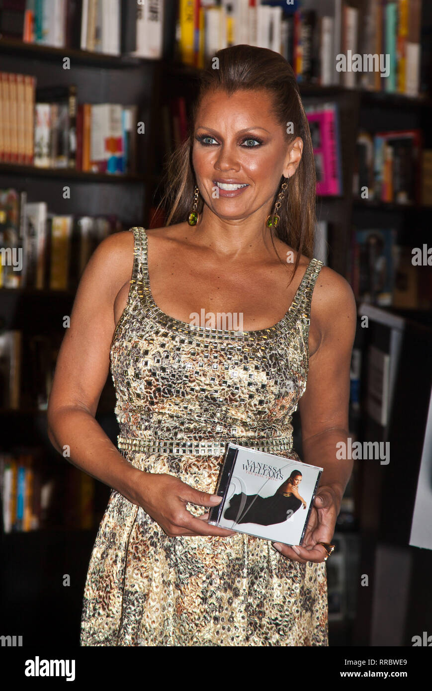 NEW YORK, NY - June 02:  Singer Vanessa Williams introduce new CD The Real Things at Borders, New York on June 2, 2009 in New York City - Stock Image