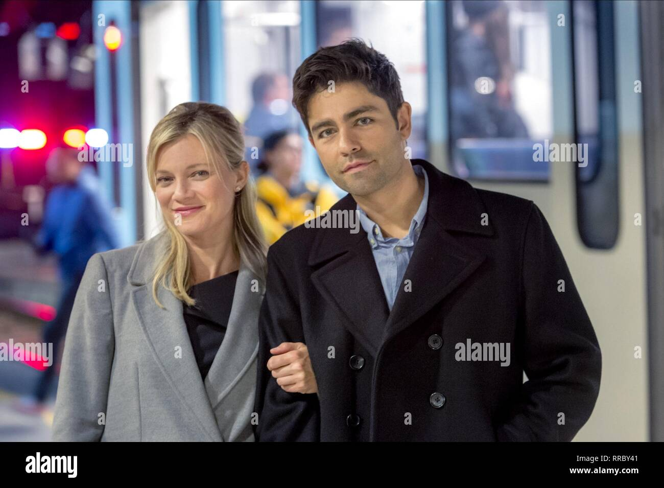 LOVE AT FIRST GLANCE, AMY SMART , ADRIAN GRENIER, 2017 - Stock Image