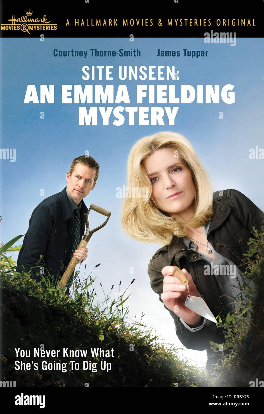 SITE UNSEEN: AN EMMA FIELDING MYSTERY, JAMES TUPPER , COURTNEY THORNE-SMITH, 2017 - Stock Image