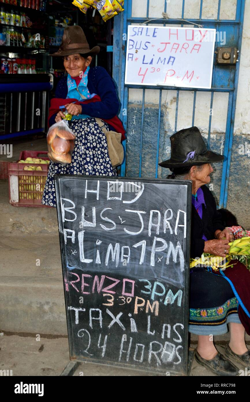 Bus to LIMA  in CHACAS - National park HUASCARAN. Department of Ancash.PERU                           - Stock Image