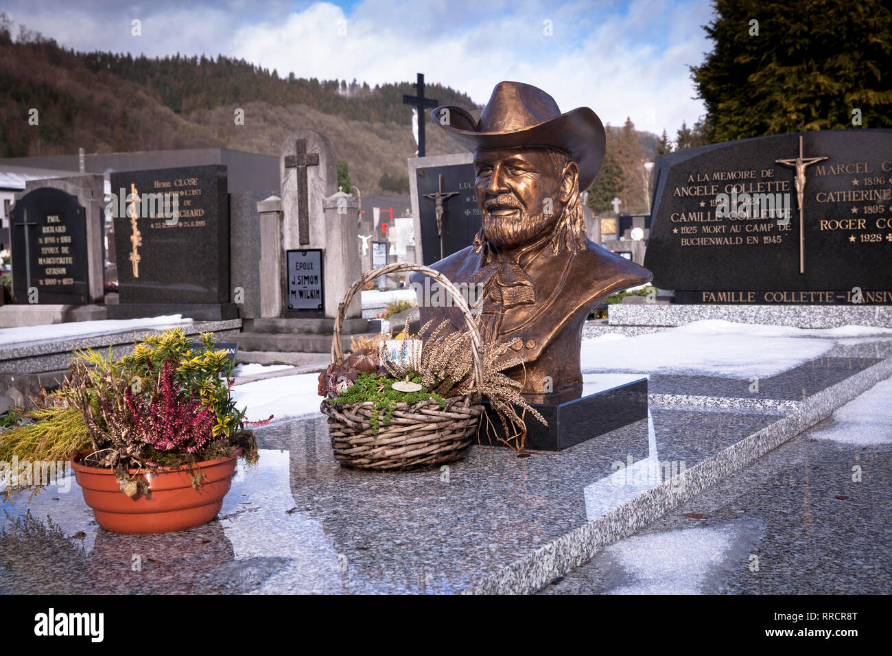 cemetery of Malmedy, grave with the bust of the singer Roger Collette, Belgium, Europe.  Grab mit Bueste des Saengers Roger Collette auf dem Friedhof  Stock Photo