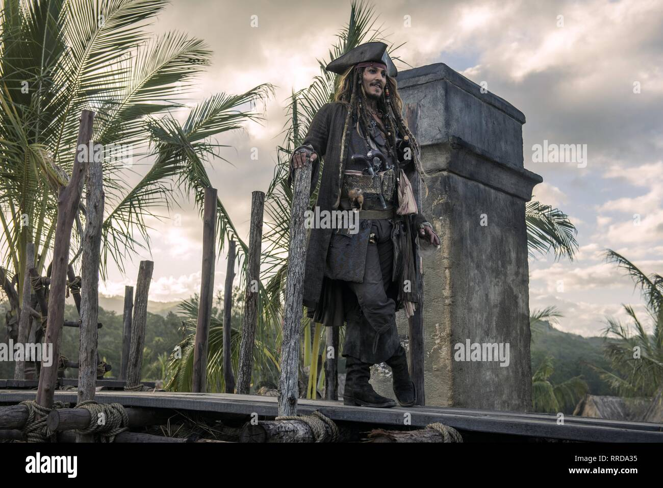 PIRATES OF THE CARIBBEAN: DEAD MEN TELL NO TALES, JOHNNY DEPP, 2017 - Stock Image