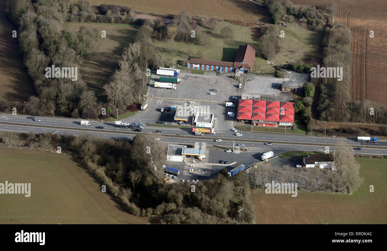 aerial view of Shell filling stations and DD's Services on the A1M motorway near Pontefract West Yorkshire - Stock Image