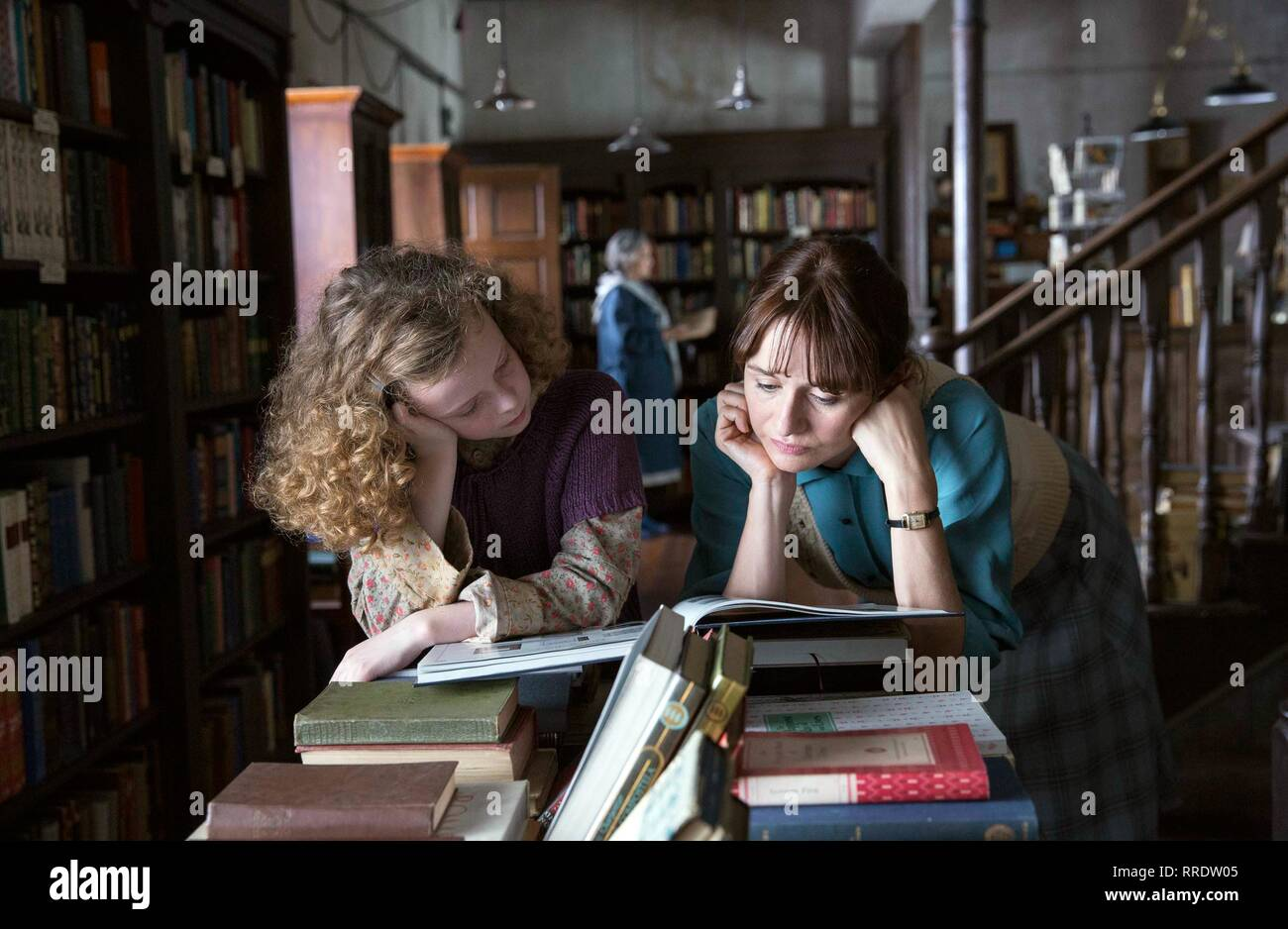 THE BOOKSHOP, HONOR KNEAFSEY , EMILY MORTIMER, 2017 - Stock Image