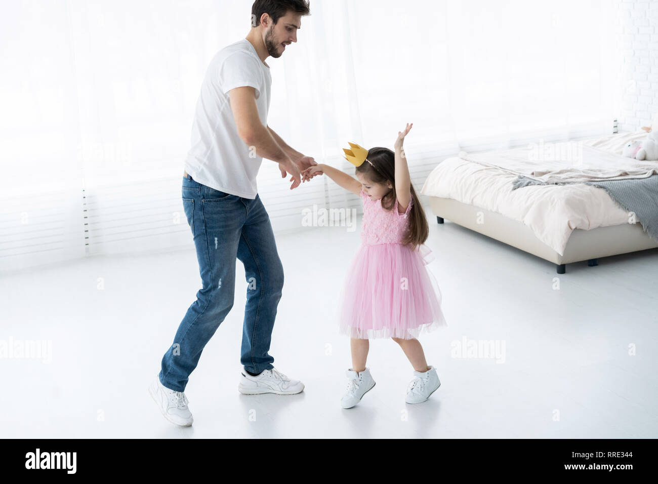 Opinion Very young little girl loves daddy