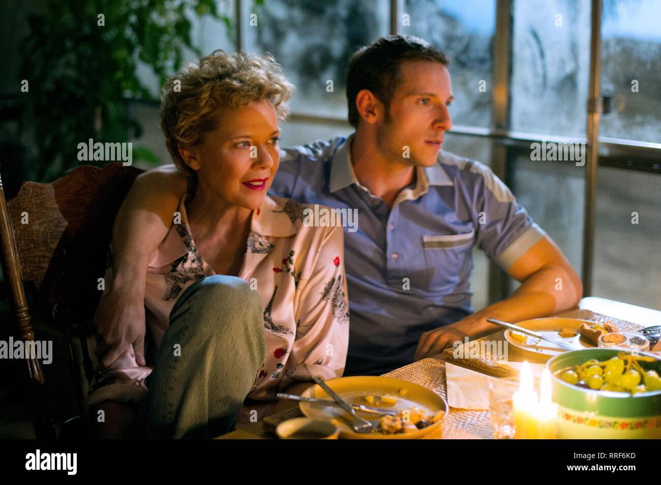 FILM STARS DON'T DIE IN LIVERPOOL, ANNETTE BENING , JAMIE BELL, 2017 - Stock Image