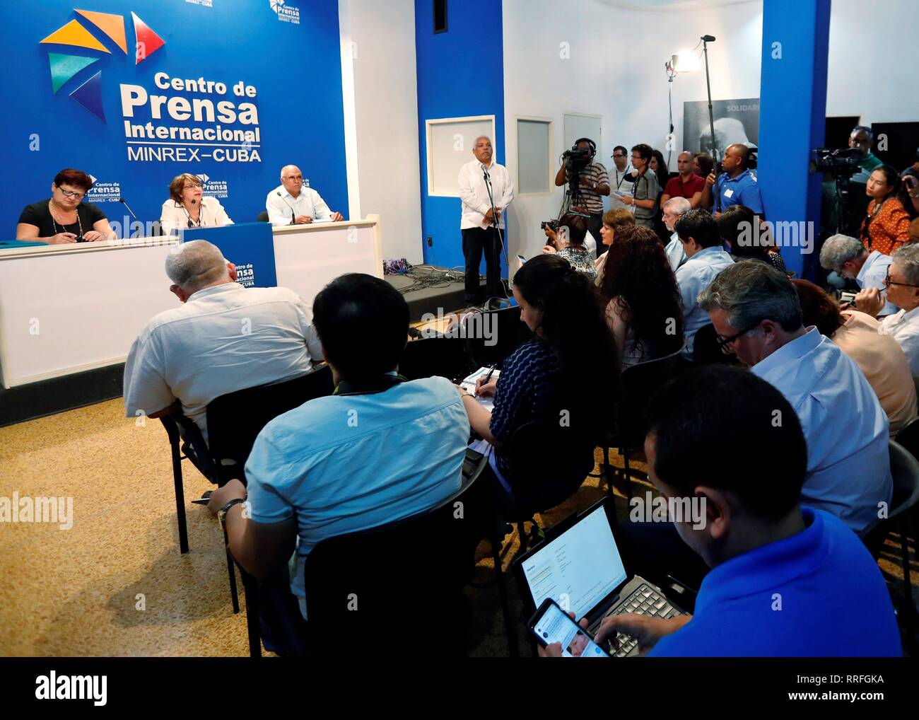 The president of the National Electoral Commission (CEN), Alina Balseiro (2-L), offers a press conference in Havana, Cuba, 25 February 2019. The draft new Constitution of Cuba, which replaces the one in force since 1976, was supported by 86.8% of voters in the referendum held on Sunday, in which the participation was 84.4%, according to preliminary data announced this Monday. Of the 7,848,000 million votes deposited, 86.8% went to accept the new text, 9% to reject it and the remaining 4.1% corresponded to blank or null votes, Balseiro informed. EFE/Ernesto Mastrascusa - Stock Image