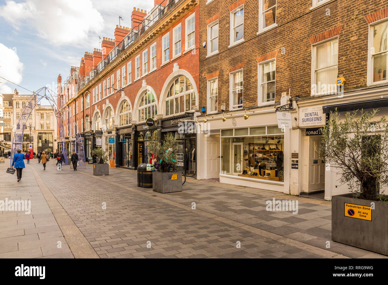 South Molton Street in Mayfair, London, England, United Kingdom, Europe - Stock Image