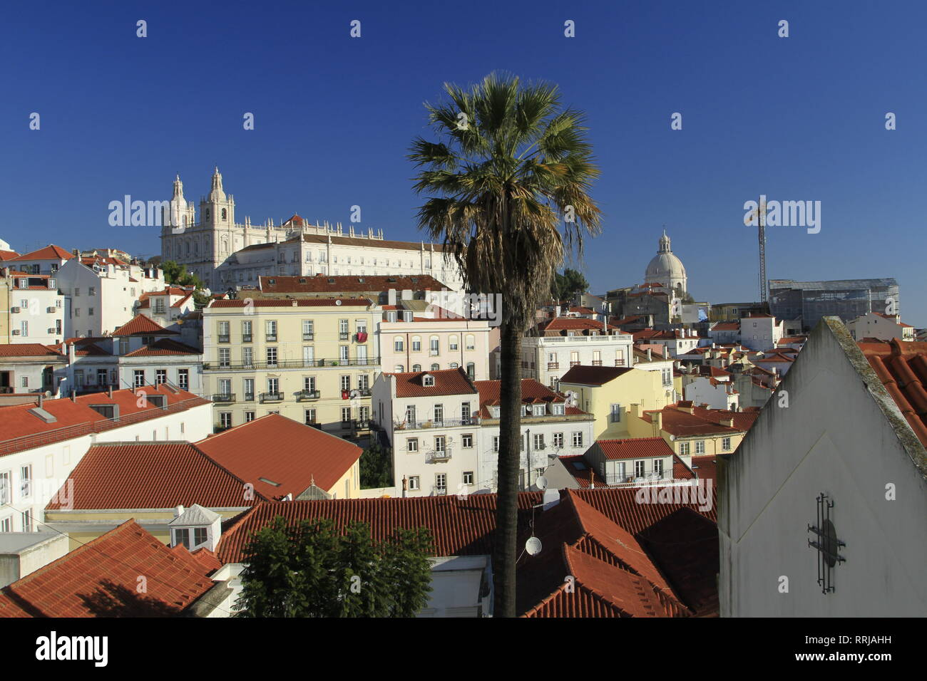 Looking out over the Alfama from the Miradouro das Portas do Sol, Lisbon, Portugal, Europe - Stock Image