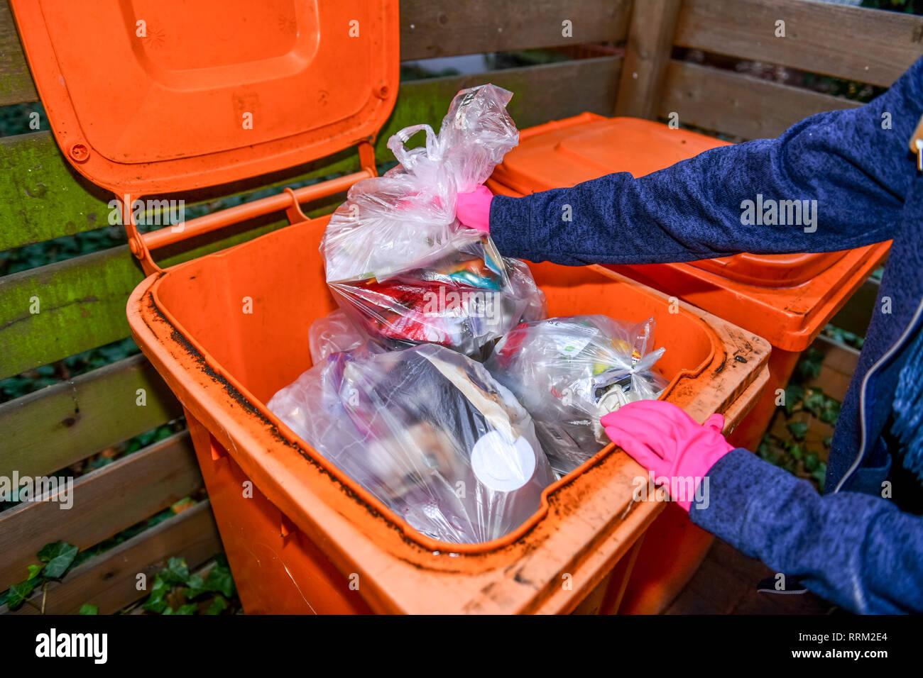 Packaging garbage, valuable material tonne, garbage tonne, Berlin, Germany, Verpackungsmüll, Wertstofftonne, Mülltonne, Deutschland Stock Photo